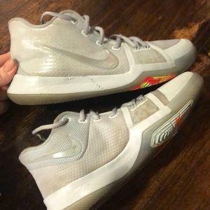 Nike basketball shoes sz 7 youth